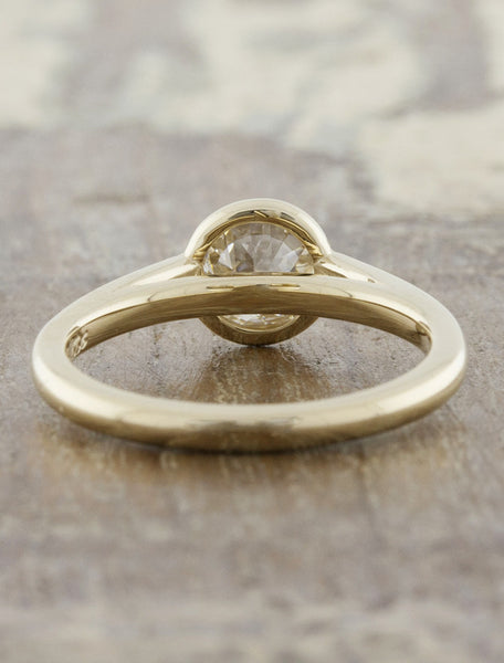 modern bezel set round diamond yellow gold ring - cathedral setting