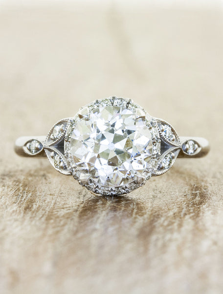 Romantic vintage-inspired engagement ring