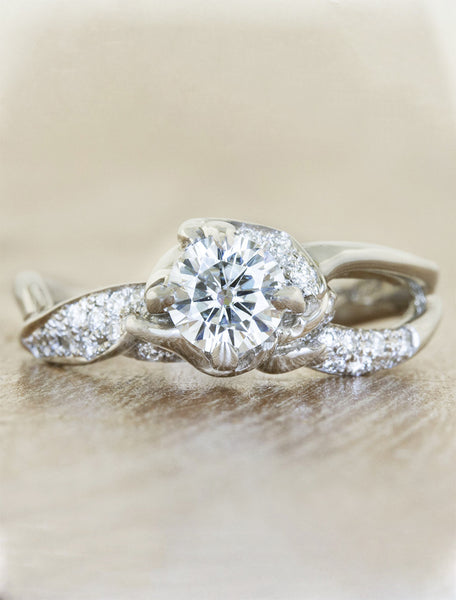 unique nature inspired split shank diamond engagement ring;caption:0.50ct. Round Diamond Platinum