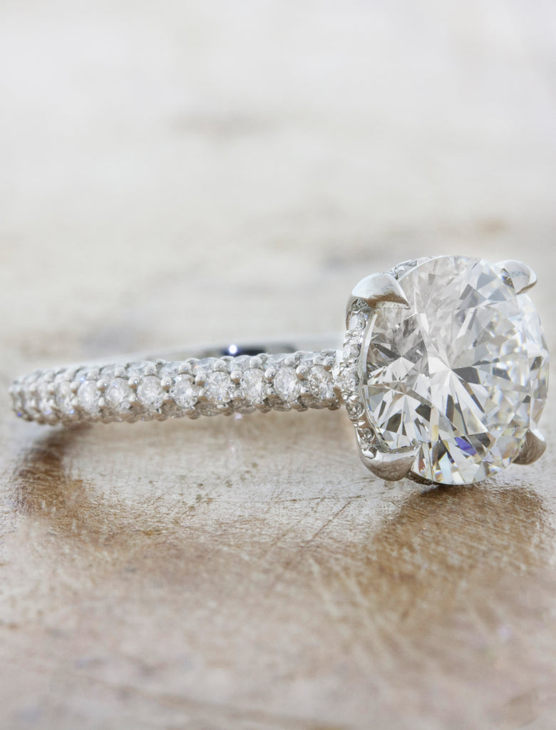 2 ct diamond solitaire engagement ring in triple pave band