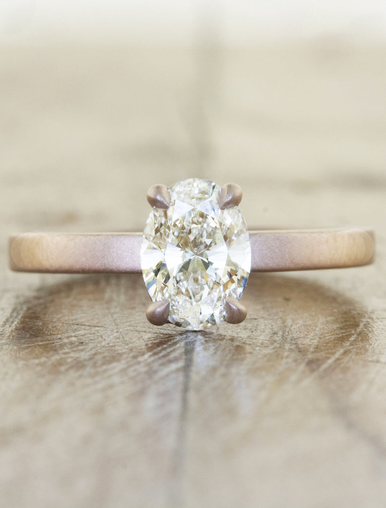 Classic solitaire;caption:0.80ct. Oval Diamond 14K Rose Gold