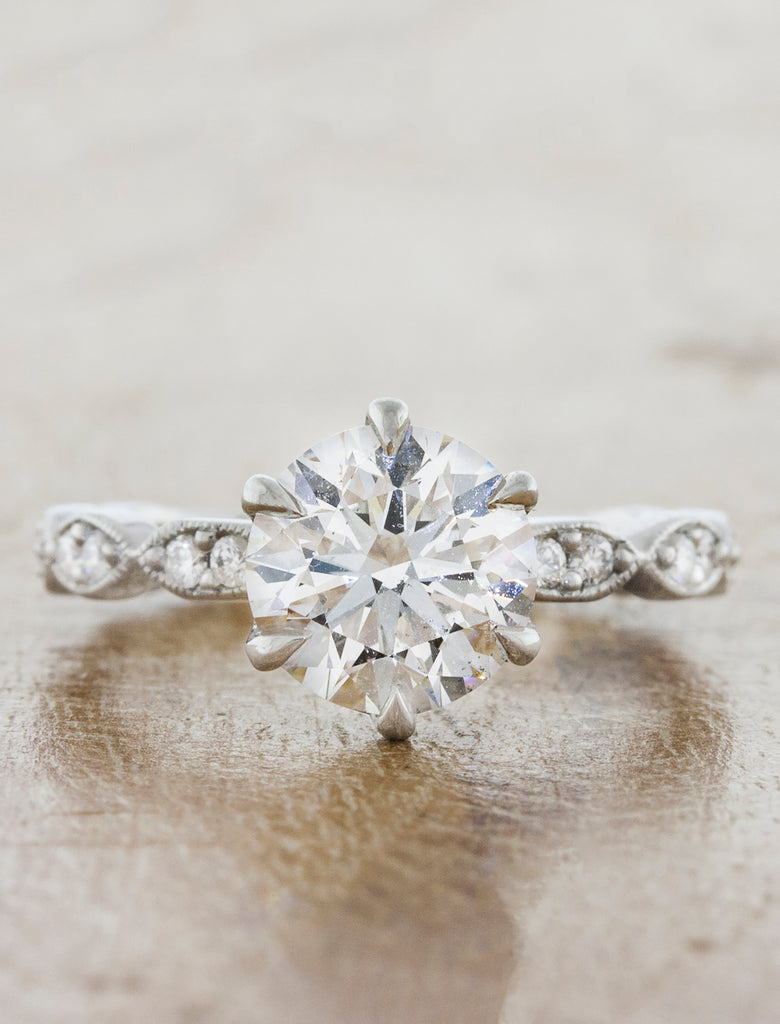 Classic 1 carat diamond engagement Ring, Vintage Band