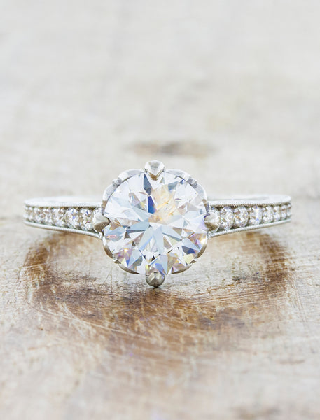 caption:Shown with a 1.5ct round diamond