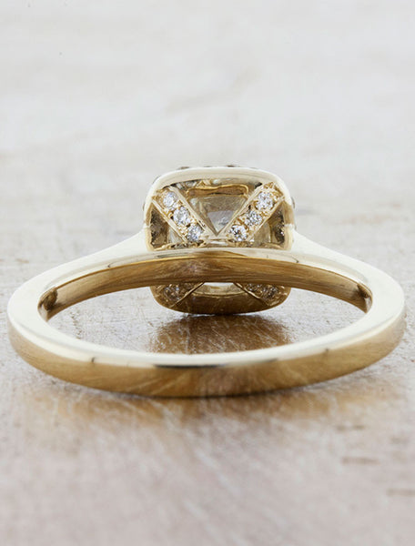 Rough White Diamond Halo Engagement Rings in Yellow Gold
