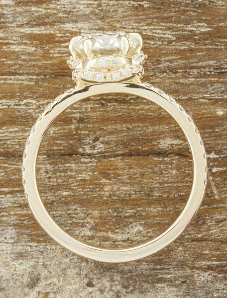 crown setting round diamond ring
