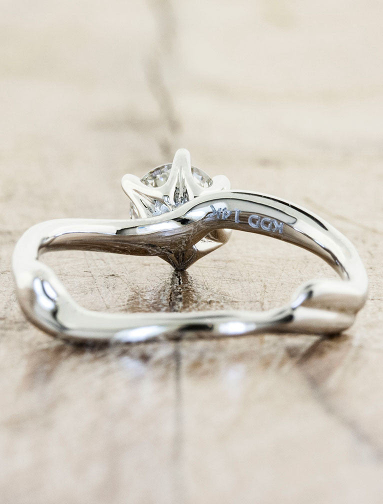 Organic design engagement ring - Aurora 6-prong