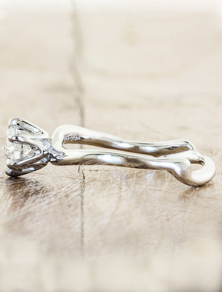 Nature inspired engagement ring - Aurora 6-prong