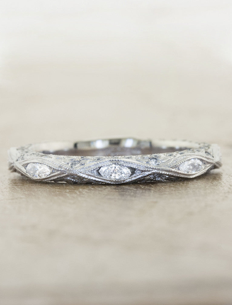Vintage wedding band caption:Diamond 14k White Gold