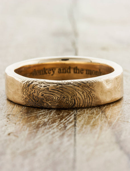 custom fingerprint wedding ring with engraving