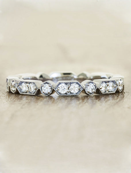 art deco vintage-inspired diamond wedding band