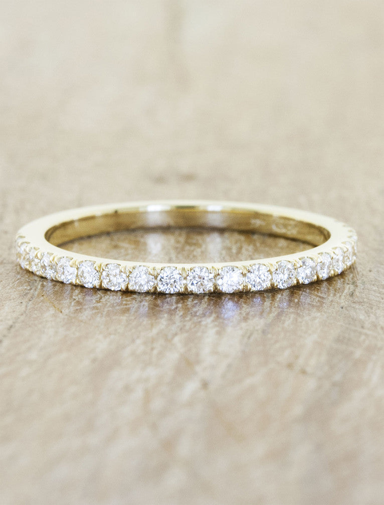 traditional diamond wedding band