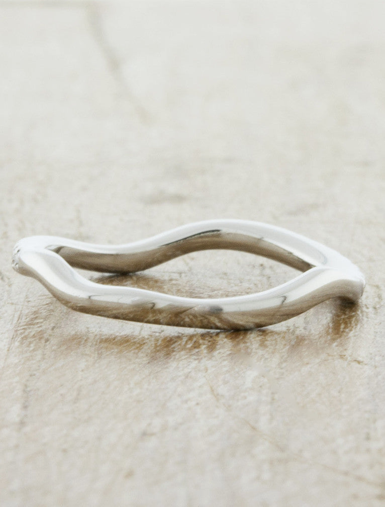 curved, wavy wedding ring - no diamond variation