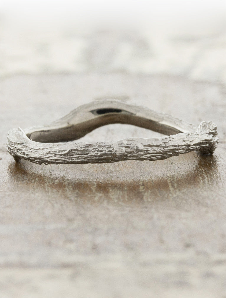 wave and bar texture wedding band