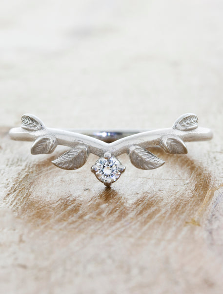 Nature Inspired Wedding Ring with Leaf Details caption:Adelixa Platinum