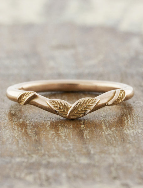 leaf design wedding band