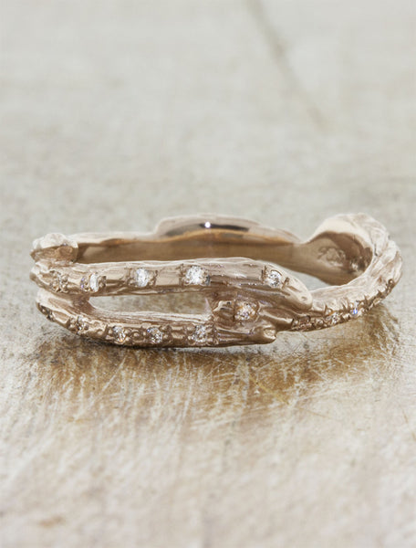 wood grain textured split shank wedding band - diamond accents