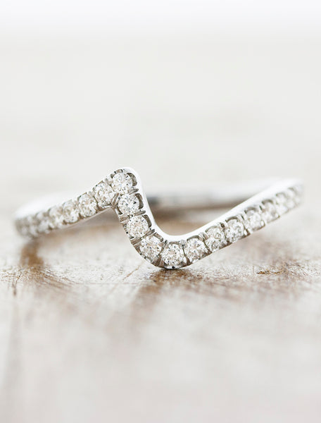 "contoured ""zig zag"" diamond wedding band"