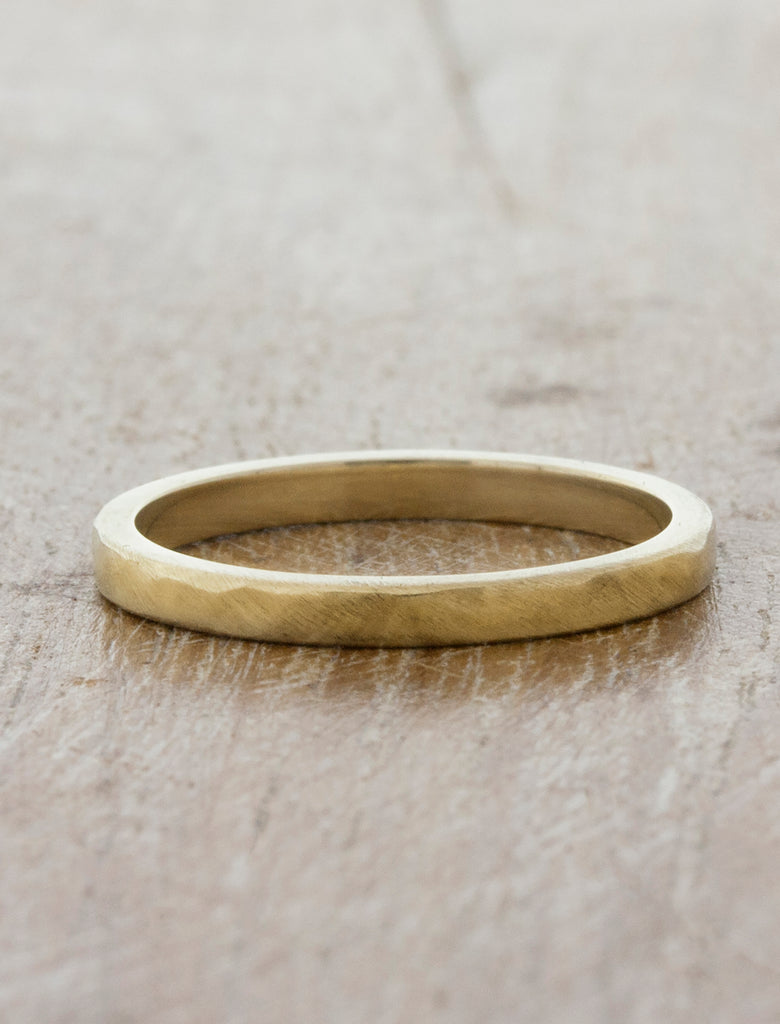 Modern Wedding Band in Yellow Gold