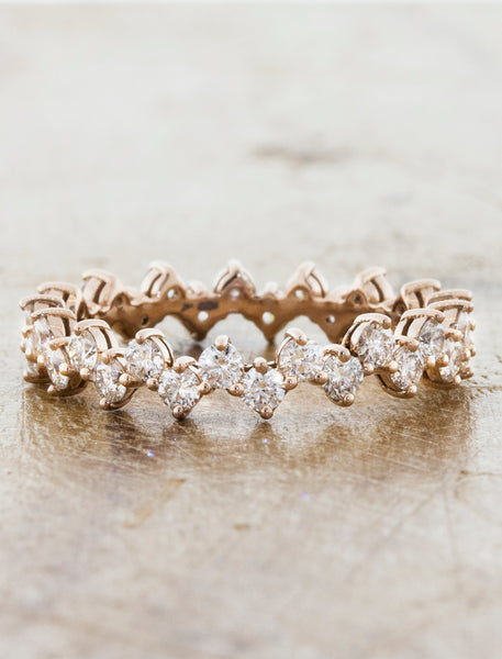 ntricate Floral Diamond Eternity Wedding Band