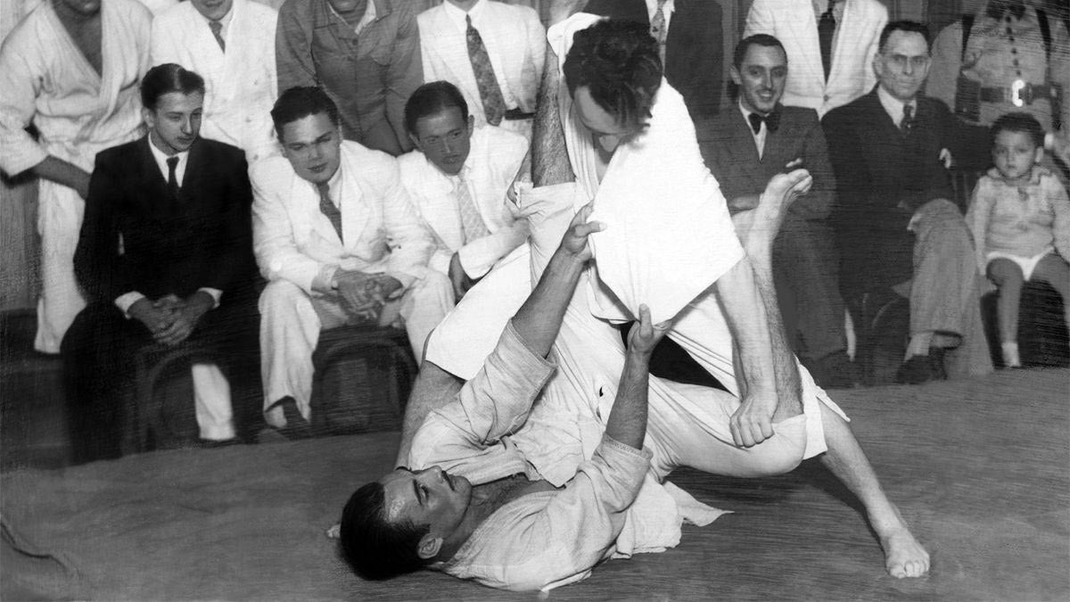 Carlos and Helio Gracie - Demonstrating BJJ
