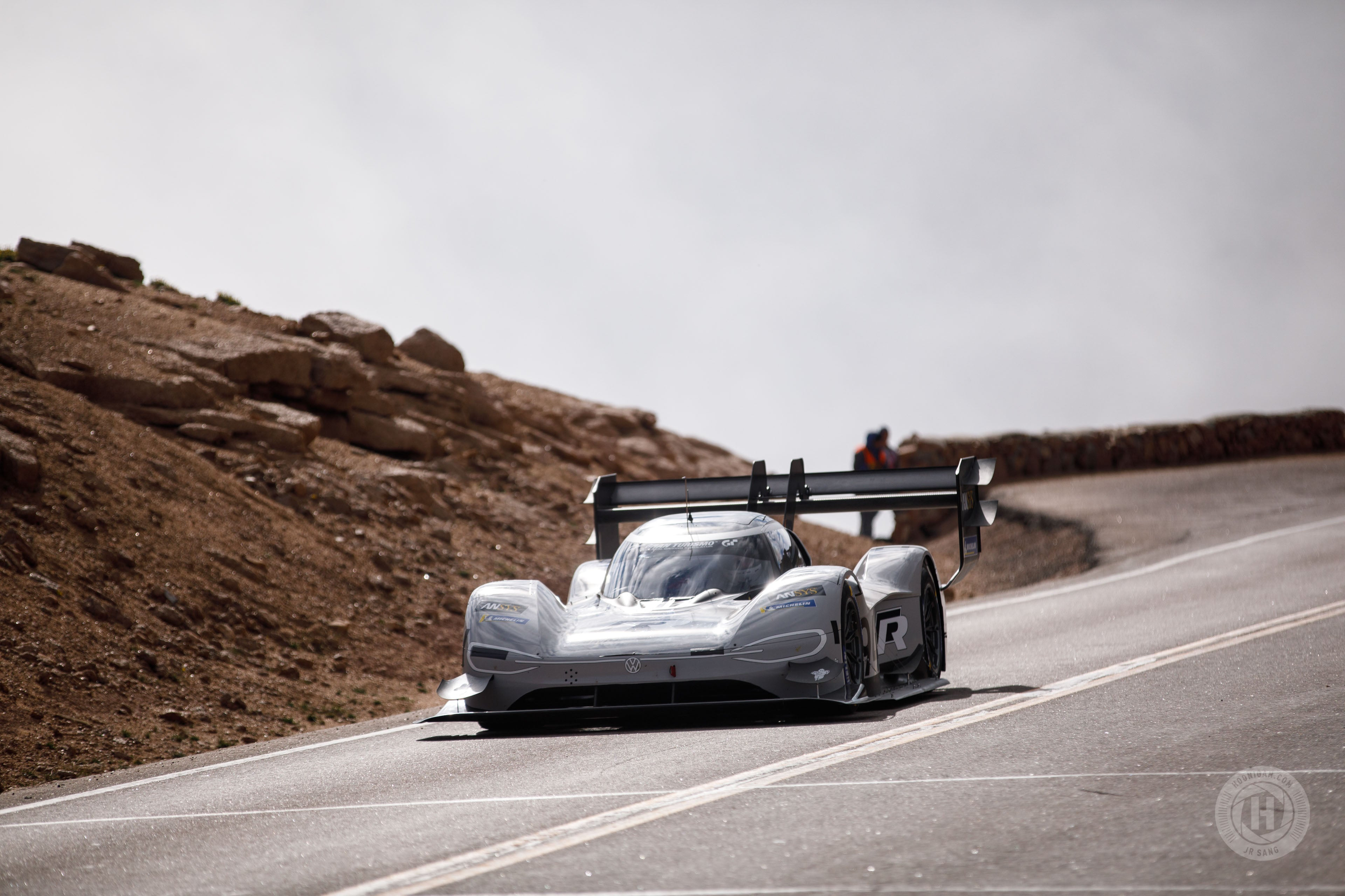 Unlimited – Why Volkswagen's I D  R Pikes Peak and Porsche's