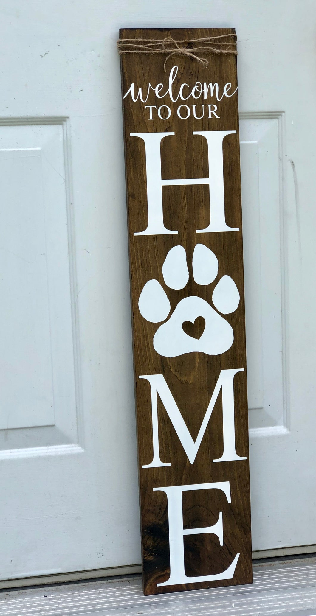 Welcome Sign with paw print