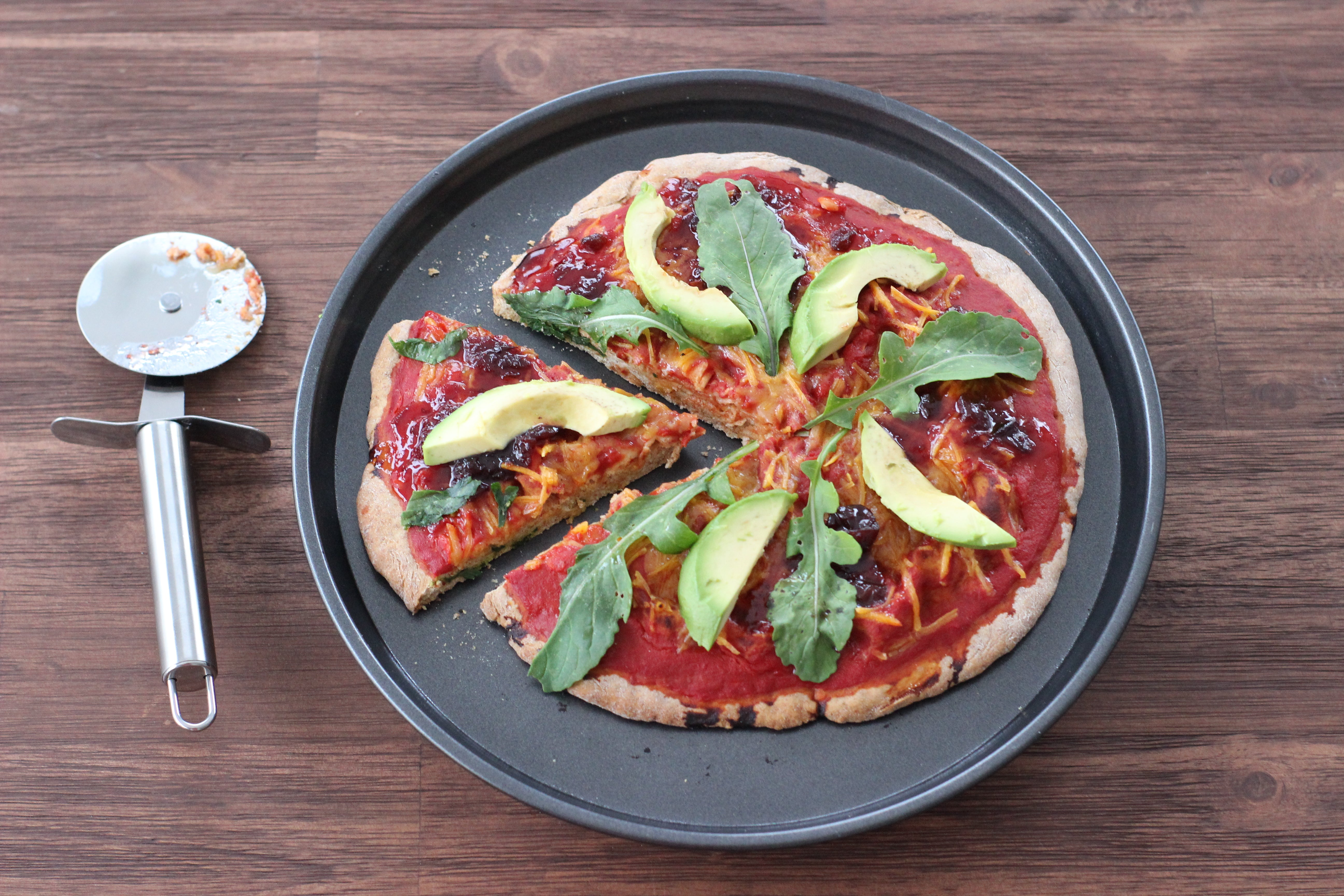 Avocado, rocket & cranberry sauce high protein spelt pizza