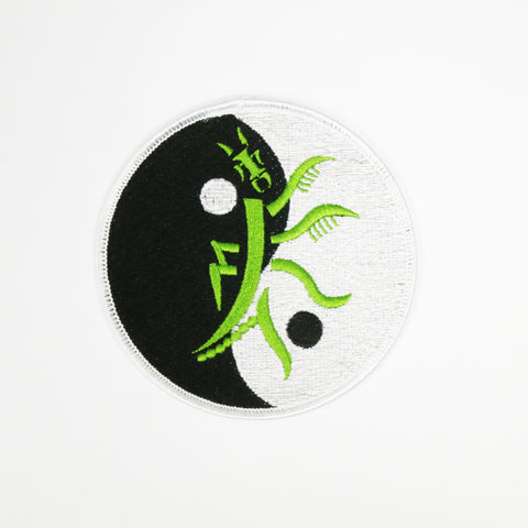 Praying Mantis Patch - Embroidery Style - Cotton