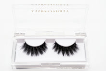 Load image into Gallery viewer, Sarah 3D Silk Mink Eyelashes