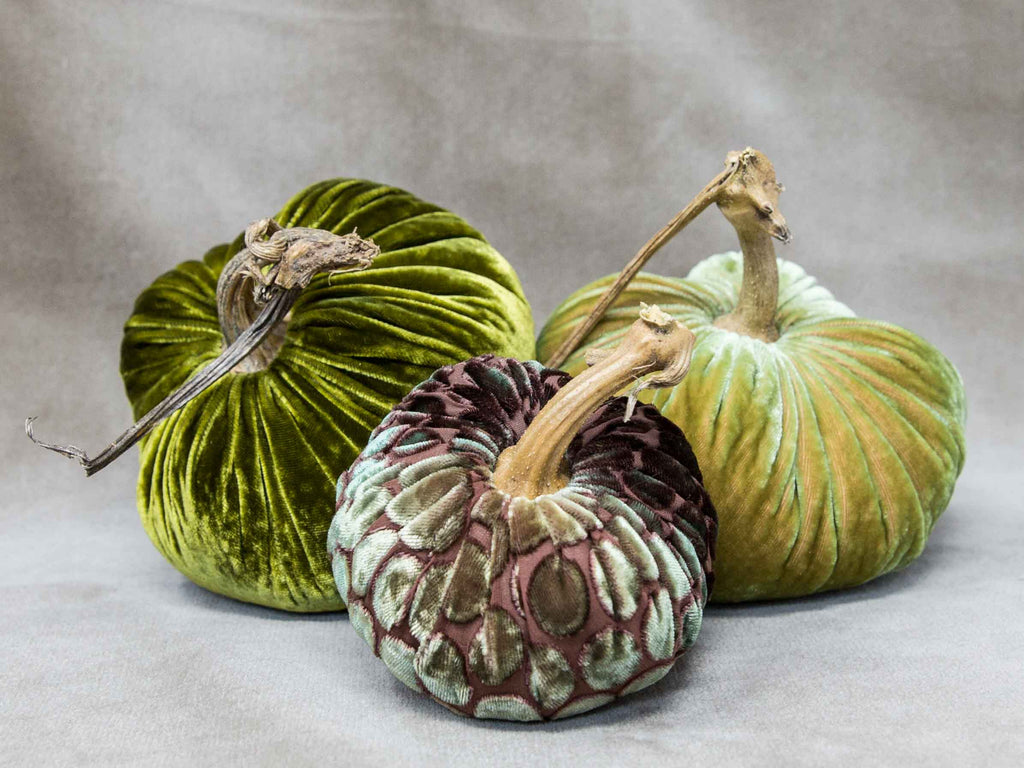 Green pumpkins. Fabric pumpkin decorations.