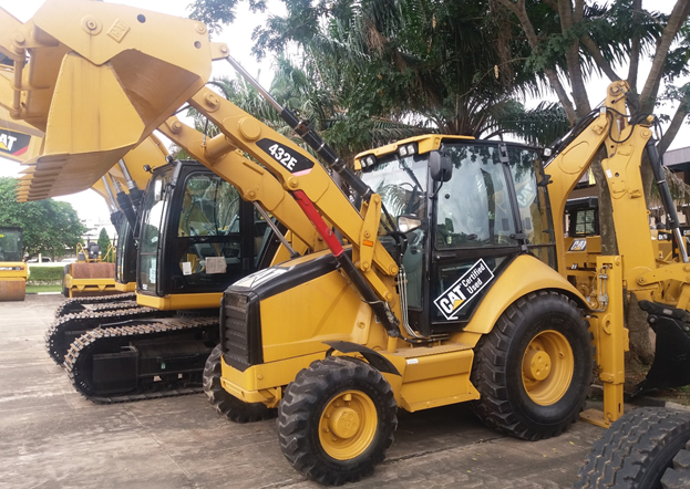 CAT<sup>®</sup> Certified Used 432E Backhoe Loader