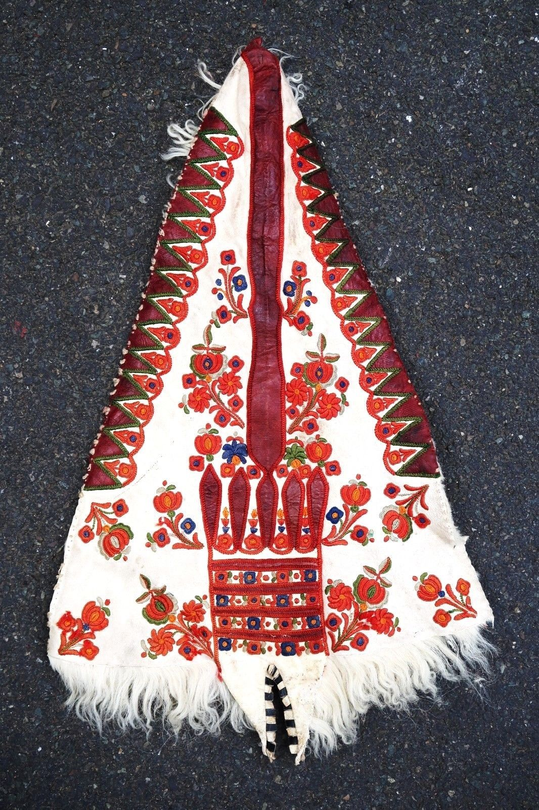 romanian-balkanian-costume-element-textile-silk