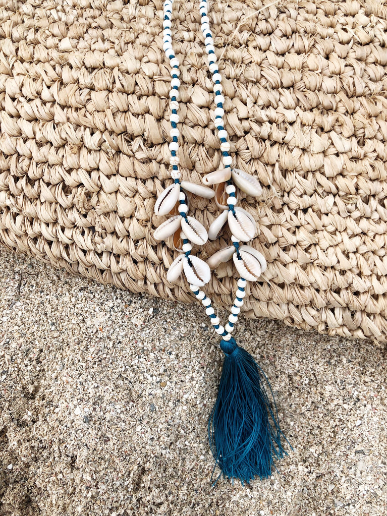 Collier long coquillages bleu