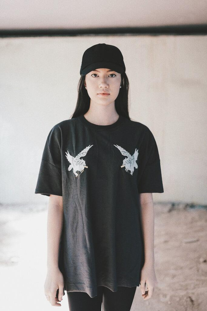GlamDiv | Eagle Oversized Tee Grey