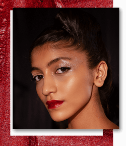 Shiny Disco: Glitter Lids And Lips Were Ruling Gaurav Gupta's Opening Show!