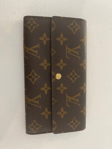 Authentic preowned Louis Vuitton monogram Sarah wallet