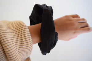 Raw Onyx Silk Scrunchie
