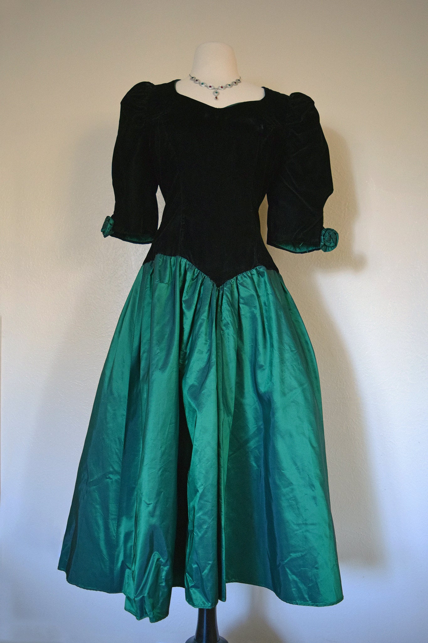 Velvet Emerald Puff Dress