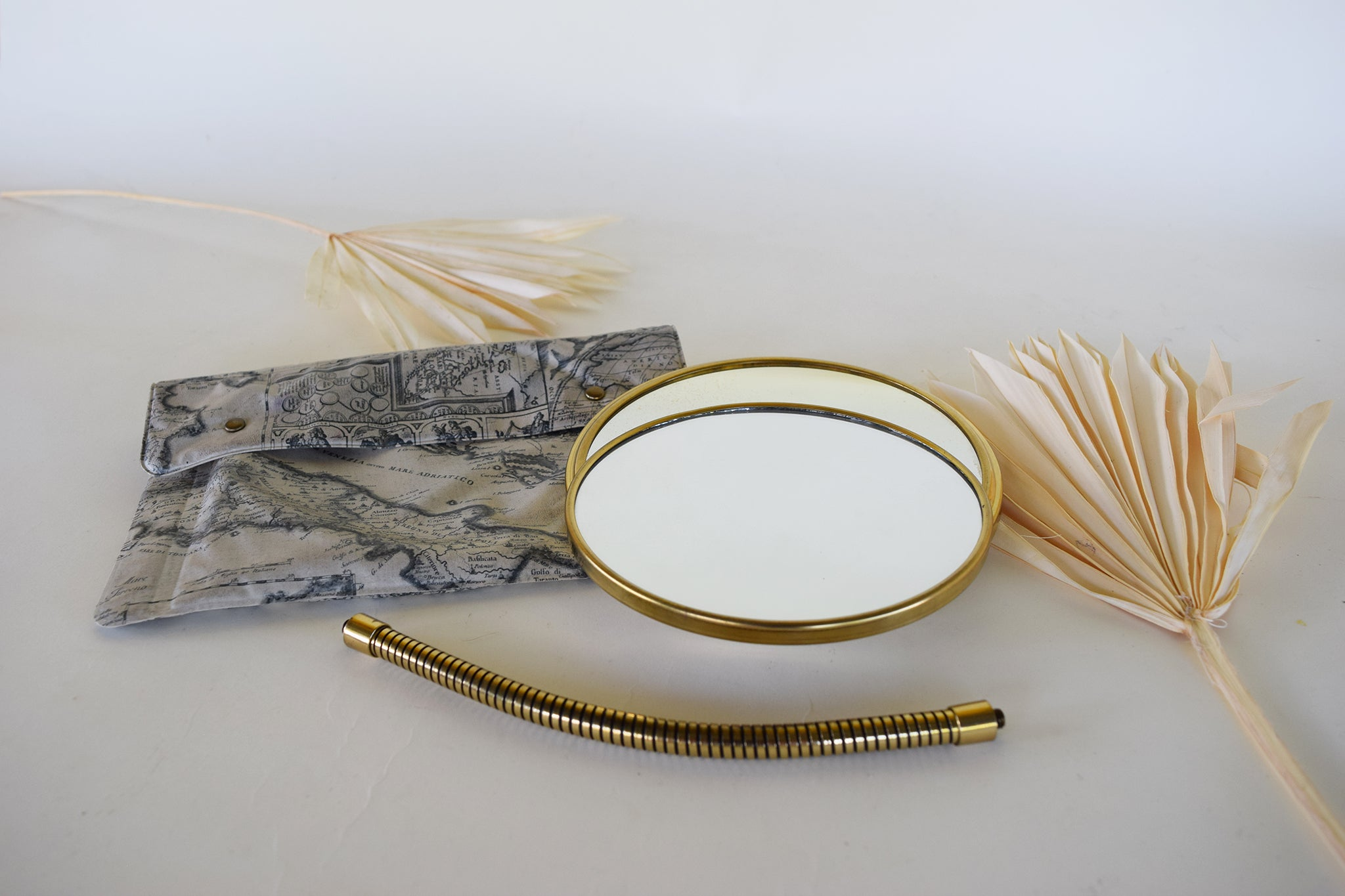 Pearlescent Traveling Mirror