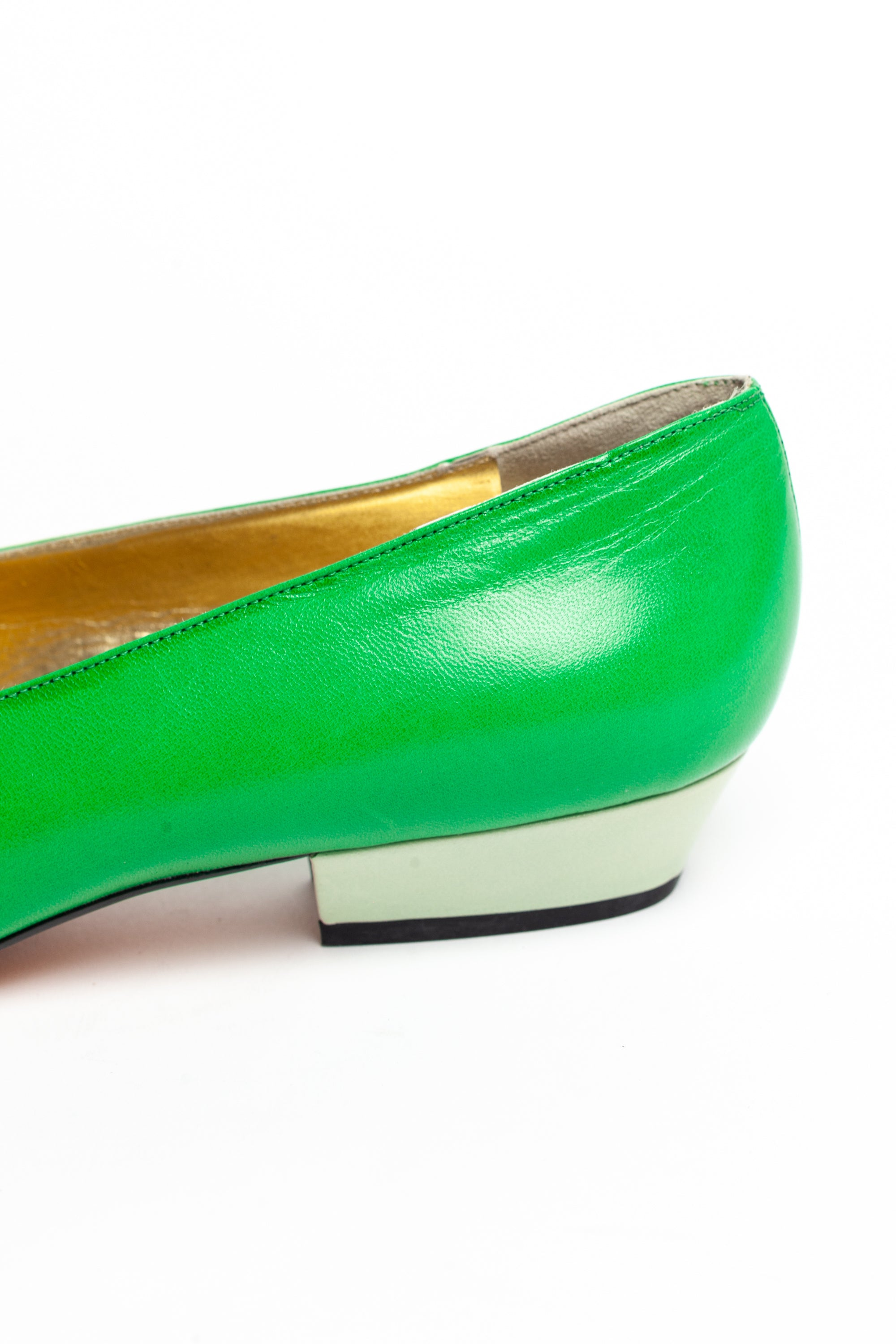 Yves Saint Laurent <br> 1980's low heel pumps