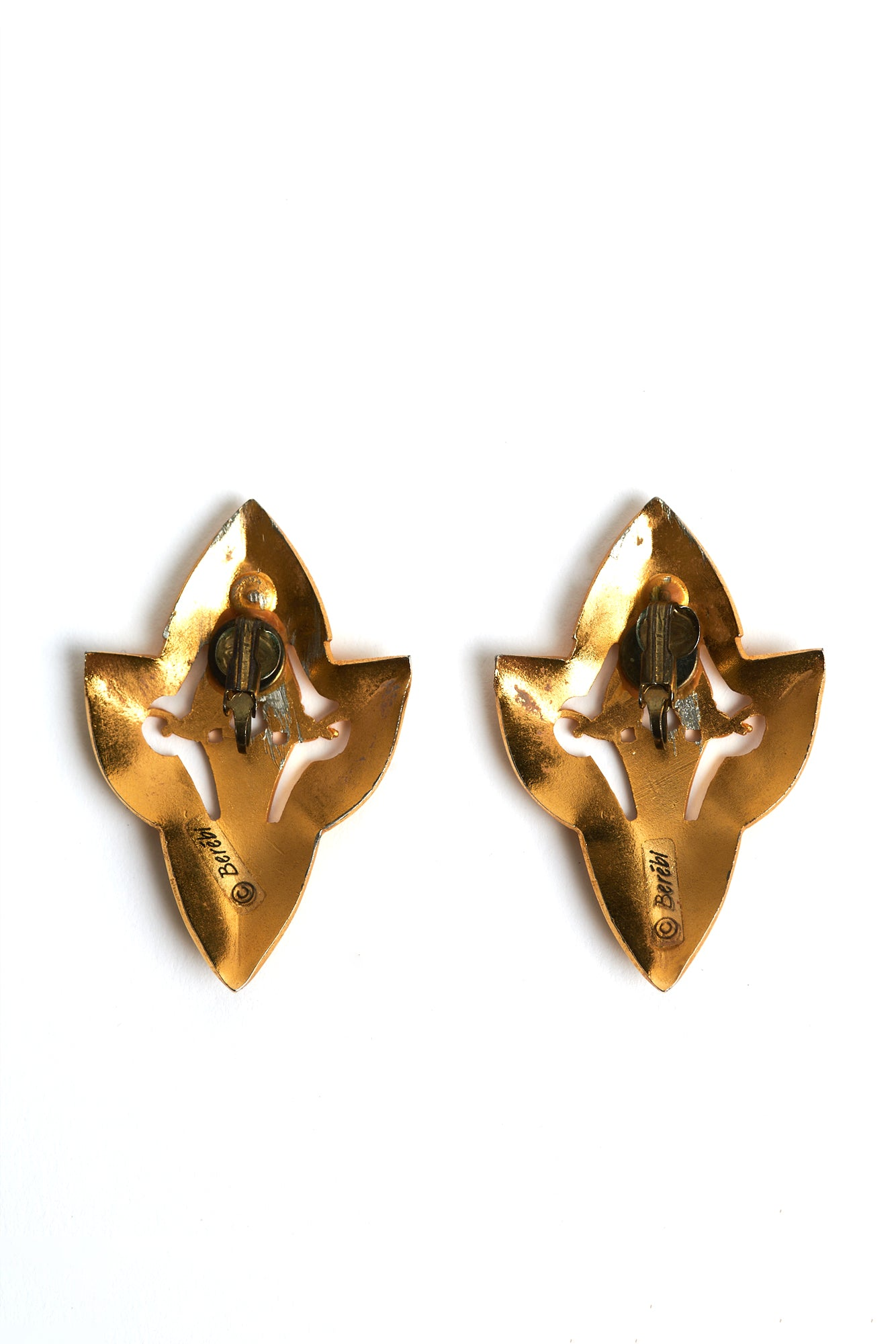 Berebi <br> 80's matte gold shield clip-on earrings