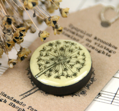 Cottage Garden Draughts Piece Brooch -  Allium