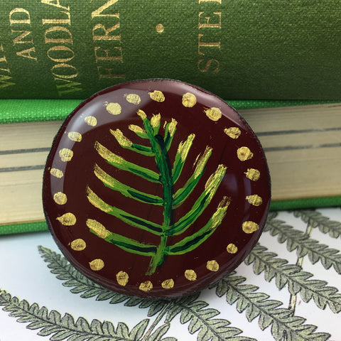 Painted Leaves Draughts Piece Brooch Burgundy