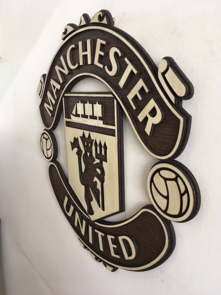 Manchester United Wooden Crest Wall Hanging Thesportstuff