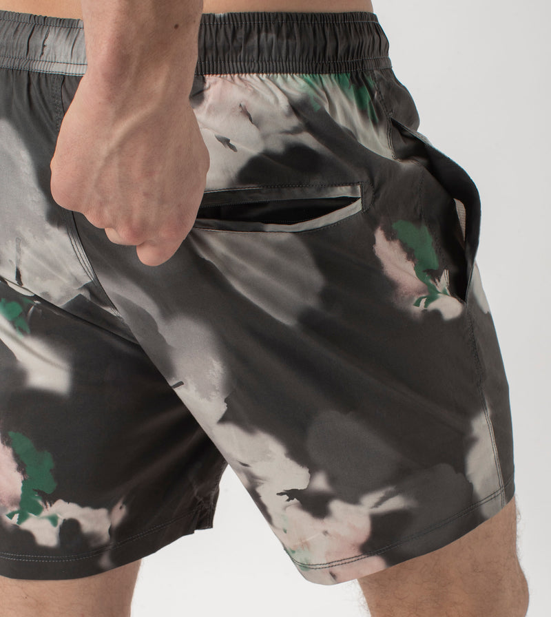 Floating Avalon Short Black/White