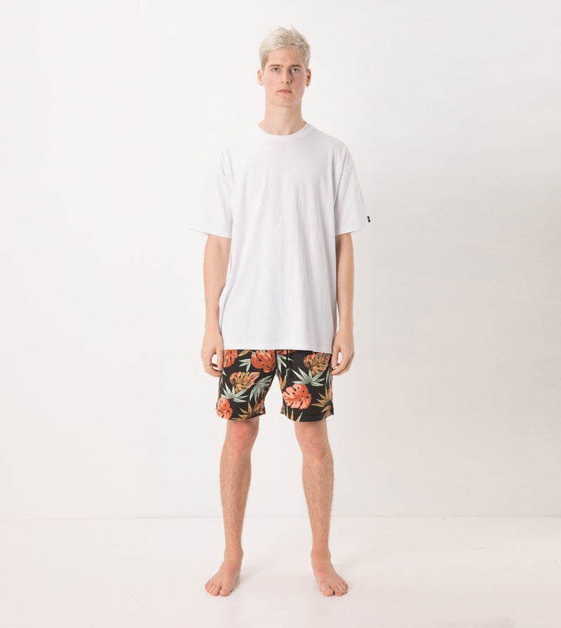 Forage Laguna Short Washed Black