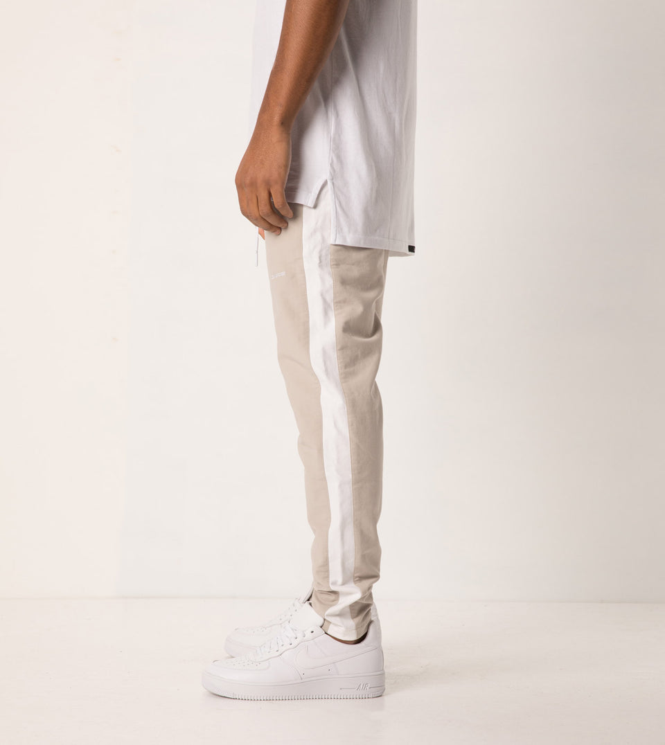 Jumpshot Track Pant Putty/White