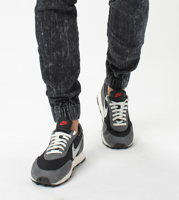 Sureshot Denim Jogger Salt Black