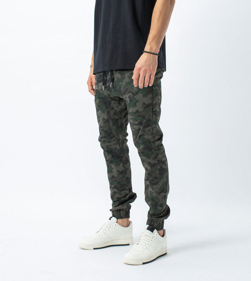 Sureshot Lightweight Jogger Dark Camo