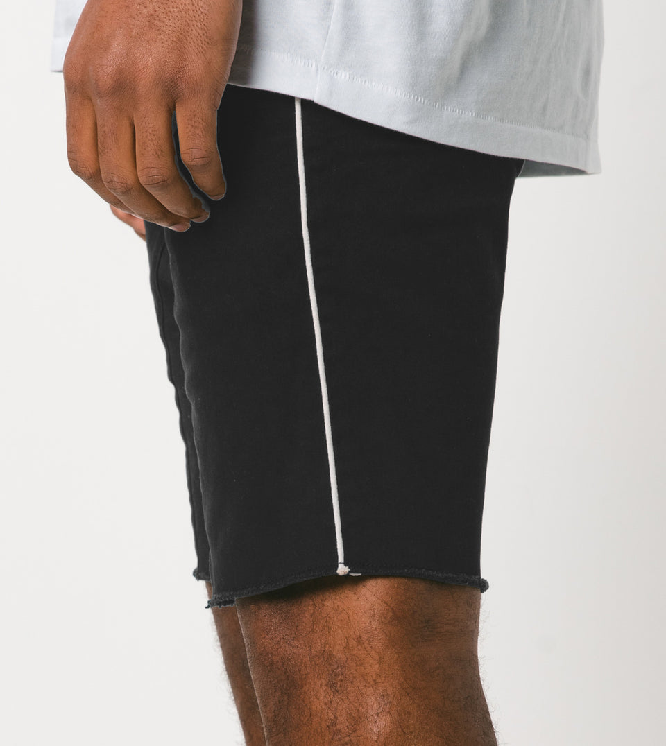Sureshot Pipeline Short Black/White